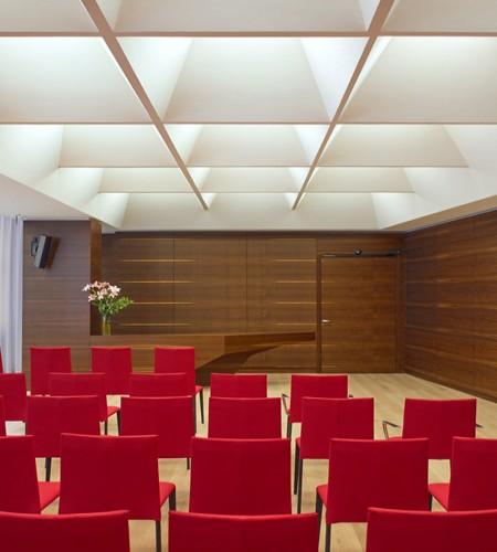 New Design for Weddinghall: Weddinghall © Peter Eder