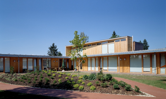 Senioren- und Pflegeheim Rudersdorf: Exterior view © Helmut Tezak